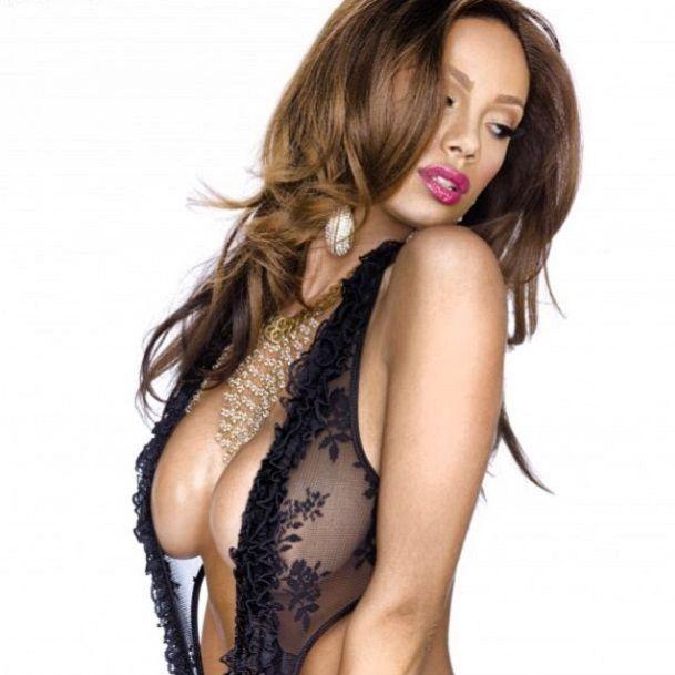 Erica Mena natural tits