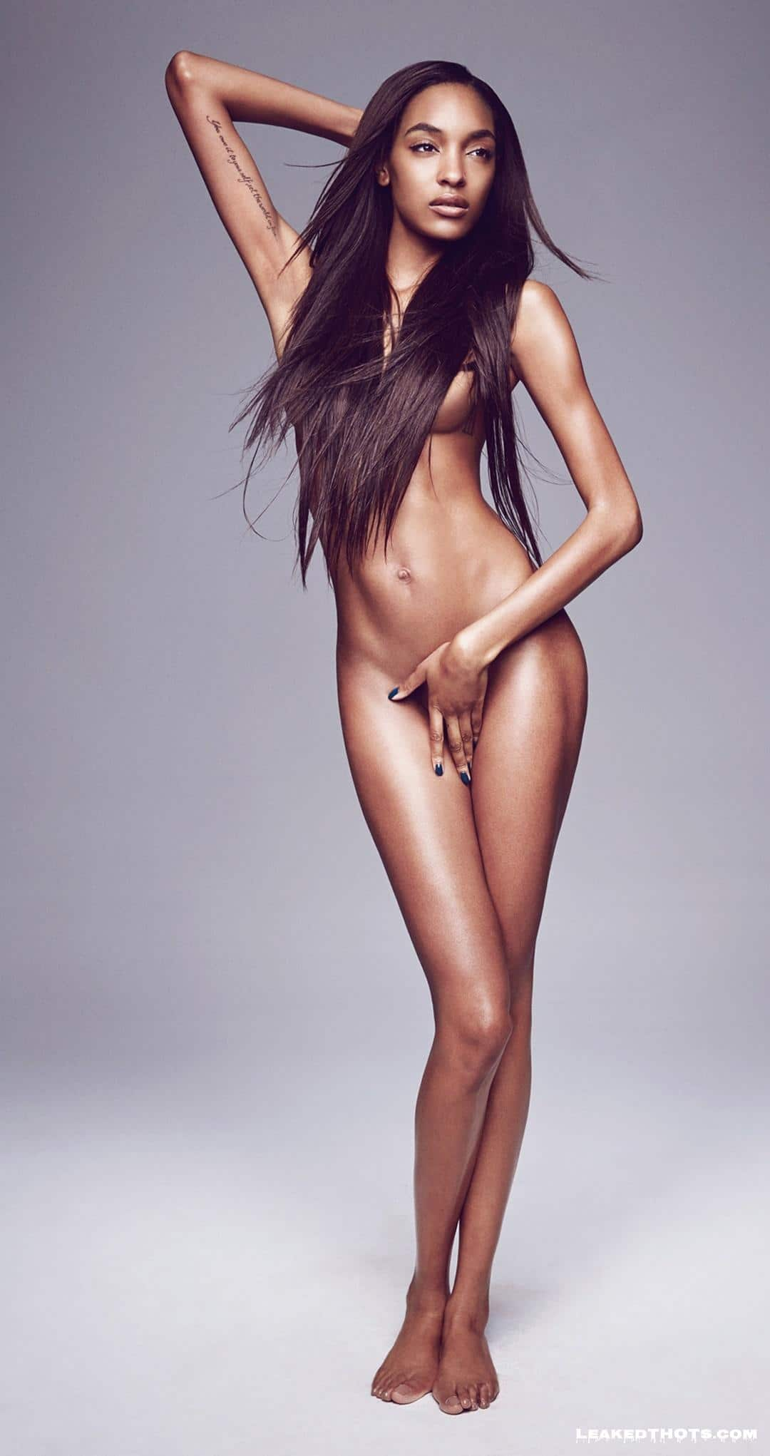 Jourdan Dunn sexy nude picture