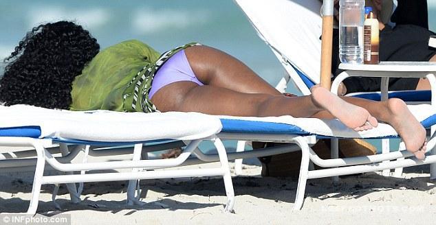 Kelly Rowland | LeakedThots 36