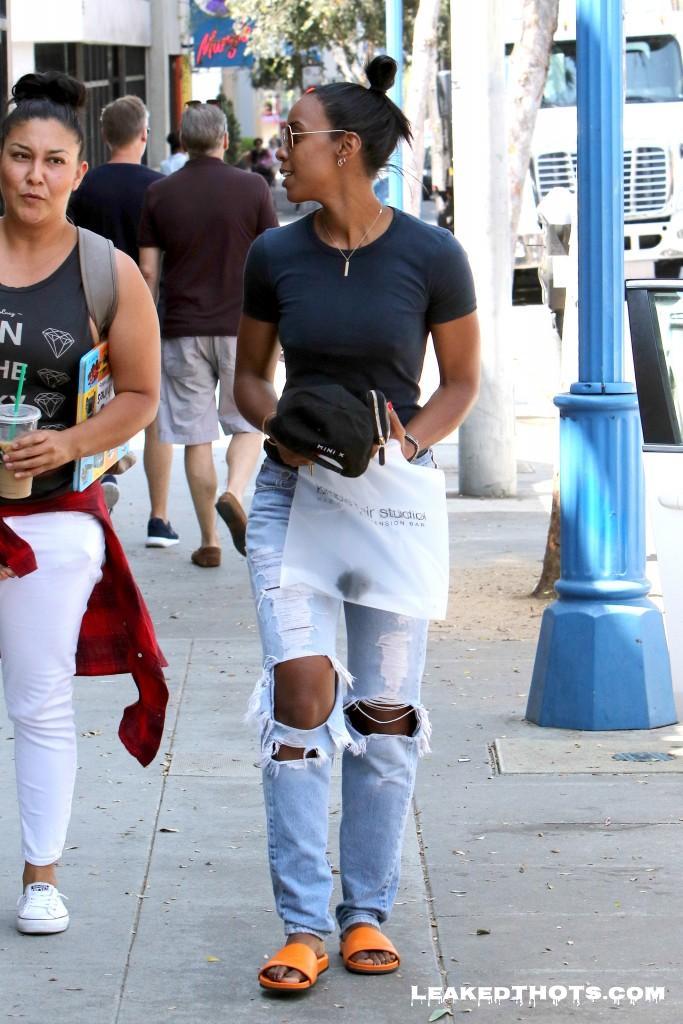 Kelly Rowland | LeakedThots 23