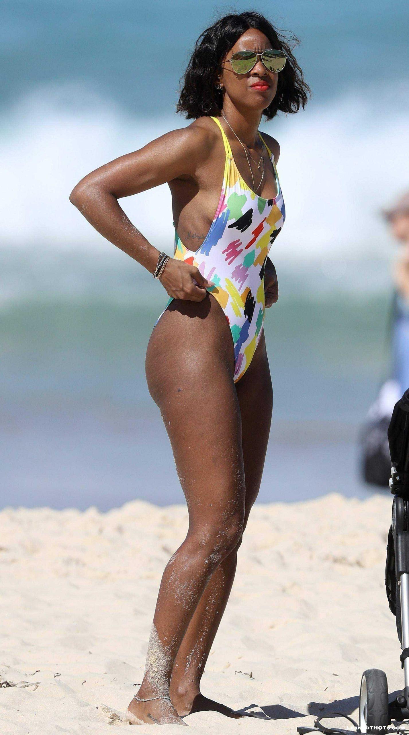 Kelly Rowland | LeakedThots 44