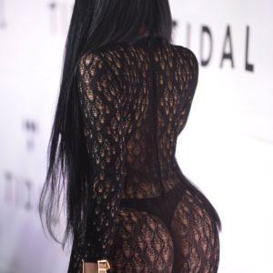 Nicki Minaj thong on red carpet