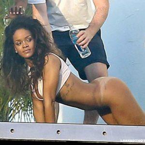 Rihanna doggystyle photo