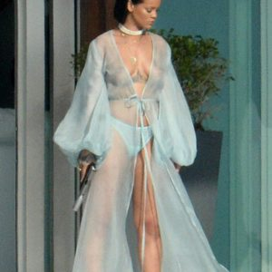 Rihanna | LeakedThots 30