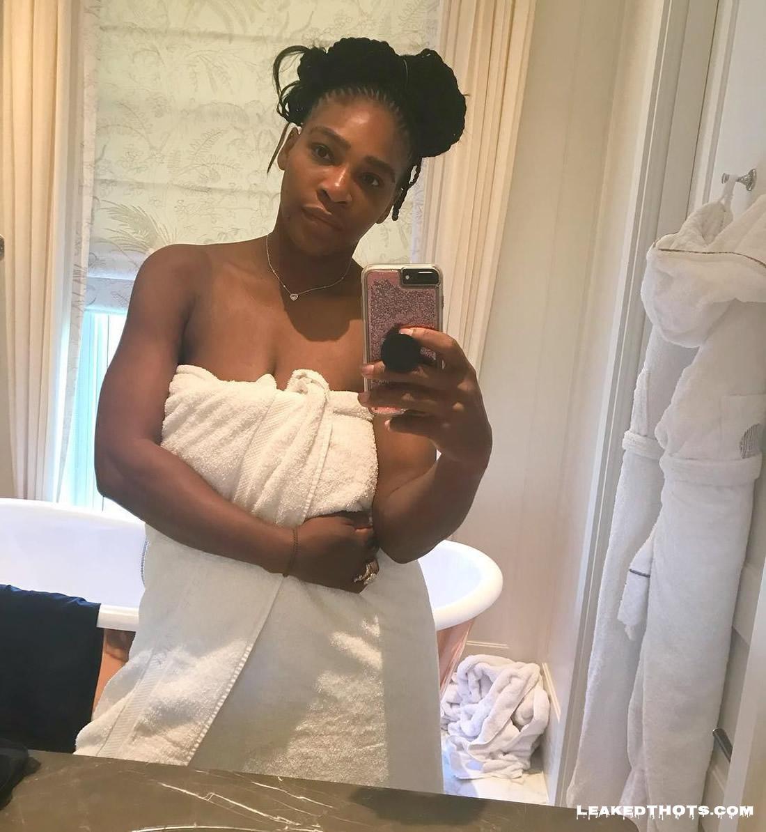 Serena Williams sexy selfie