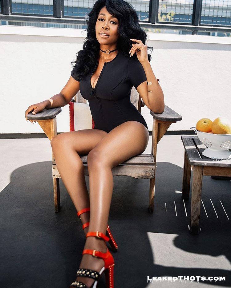 Simone Missick hot legs