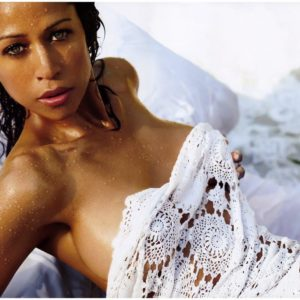 Stacey Dash cleavage photo