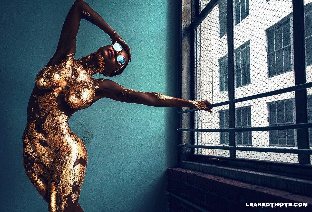 Teyana Taylor naked boobs
