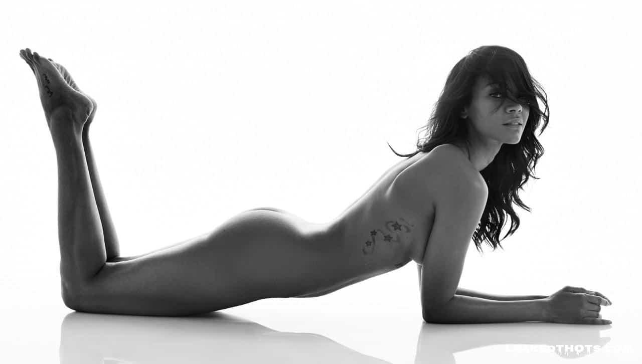 Zoe Saldana naked boobs